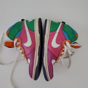 2009 Nike High Top High Dunk Vintage Sneakers
